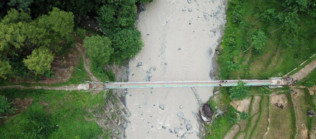 Jembatan pelangi Desa Cawet